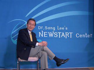 dr.-Lee-photo-blue.jpg